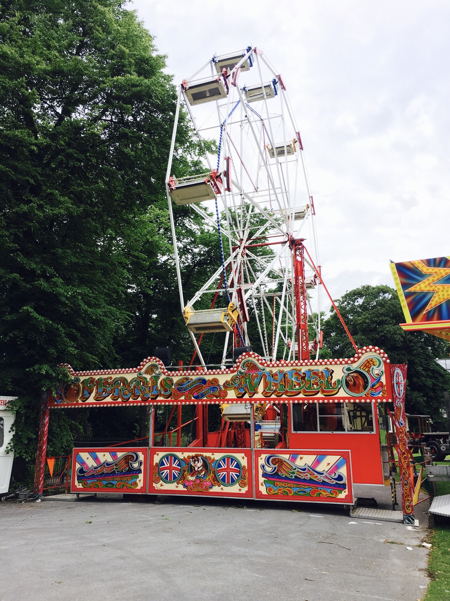 Traditional Ferris Wheel